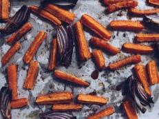 Honey roasted carrot, spinach & feta salad