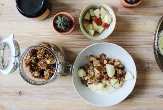 Coconut, honey & almond granola